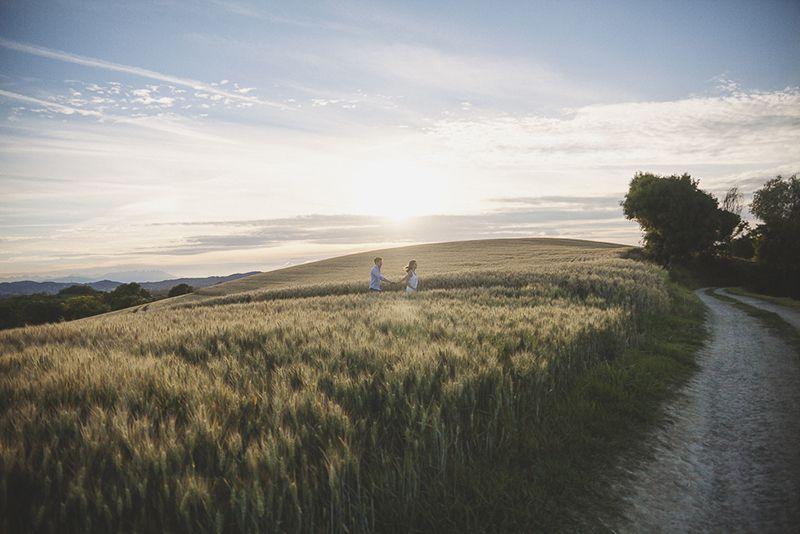 servizio-fotografico-coppia-engagement-italia-tiziana-gallo-fotografa-roberta-fabrizio-roero-langhe